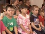 Воспитанникам полудинского детского дома актеры областного театра кукол показали сказку
