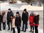 Школьники и студенты сегодня на площади читали стихи казахских поэтов